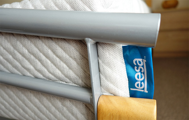 leesa mattress close up logo