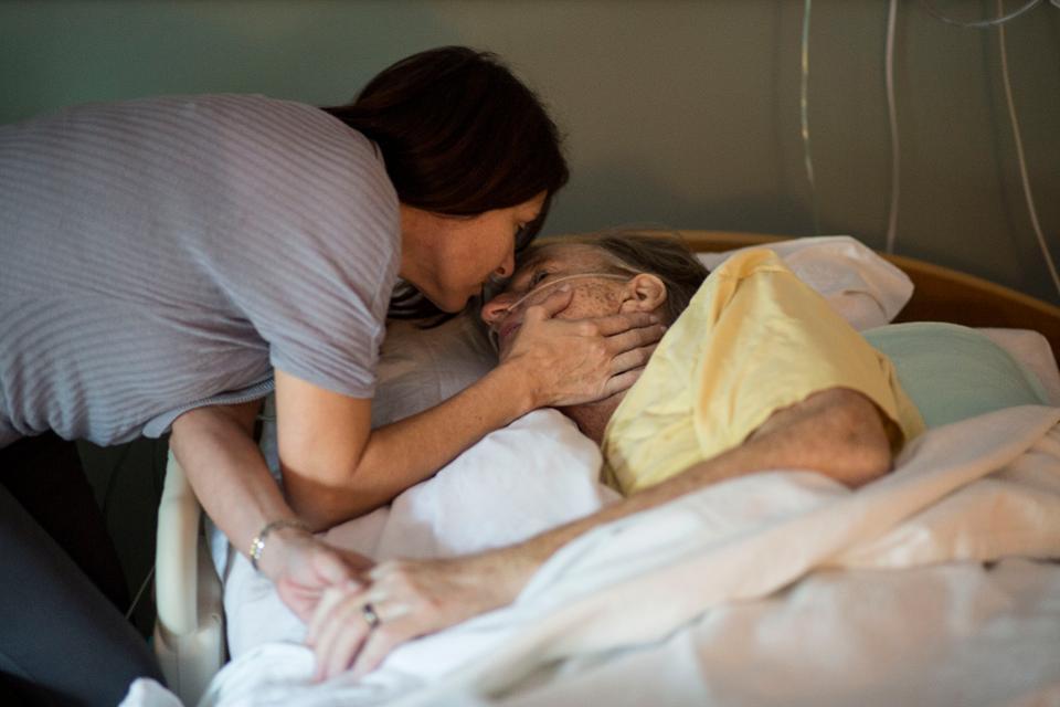 VIRGINIA BEACH, VA - OCTOBER 20:  Kim Davis kisses her husband