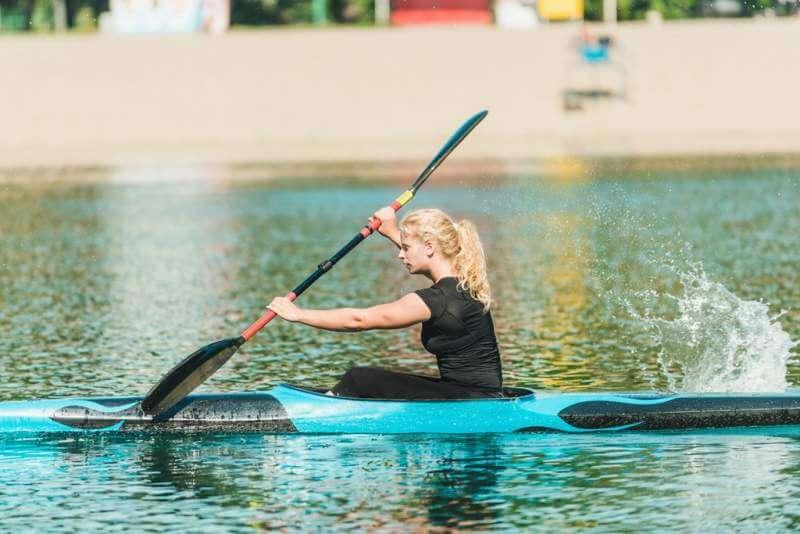 kayak-female-training